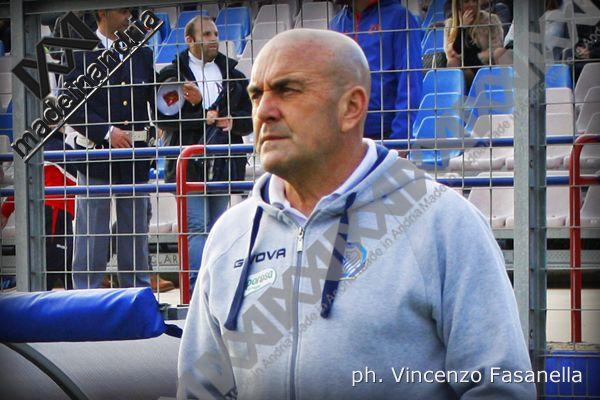Fidelis Andria, interrotta la collaborazione con l'allenatore Giancarlo Favarin e il suo vice Giovanni Langella