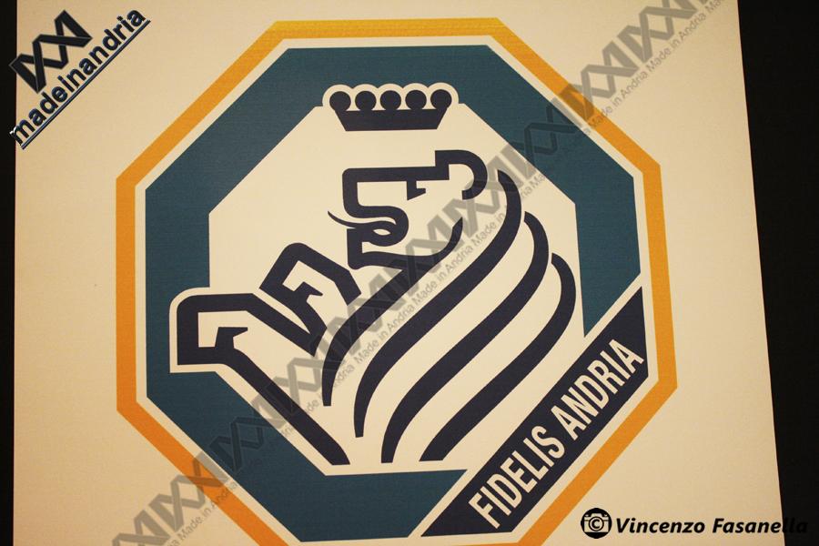 Presentazione logo ufficiale ssd fidelis andria 1928 le foto for Facebook logo ufficiale